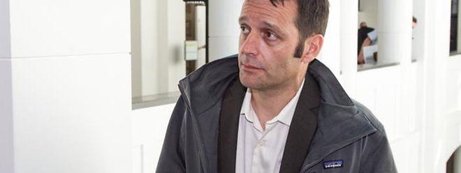 Der freigesprochene Journalist Edouard Perrin muss demnächst auch wieder vor Gericht erscheinen.