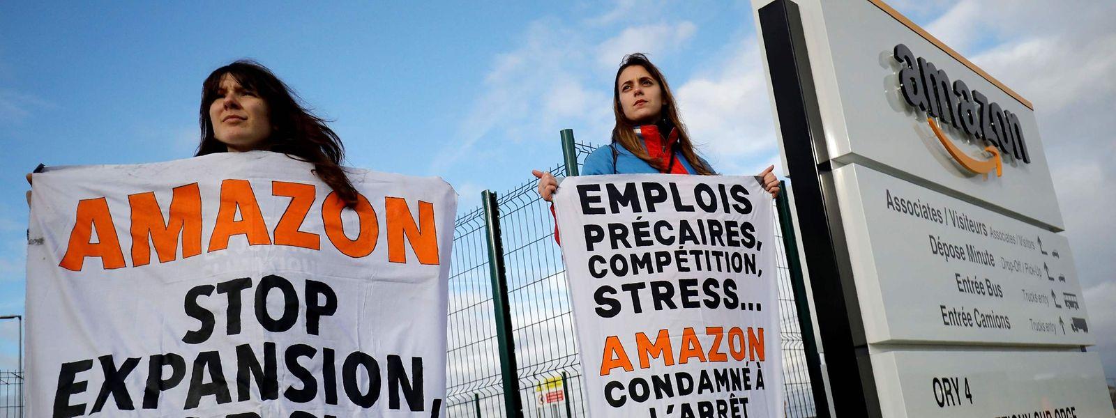 Une nouvelle série de grèves touche les sites du distributeur en Allemagne, alors que d'autres actions anti-Black Friday ont lieu en France.