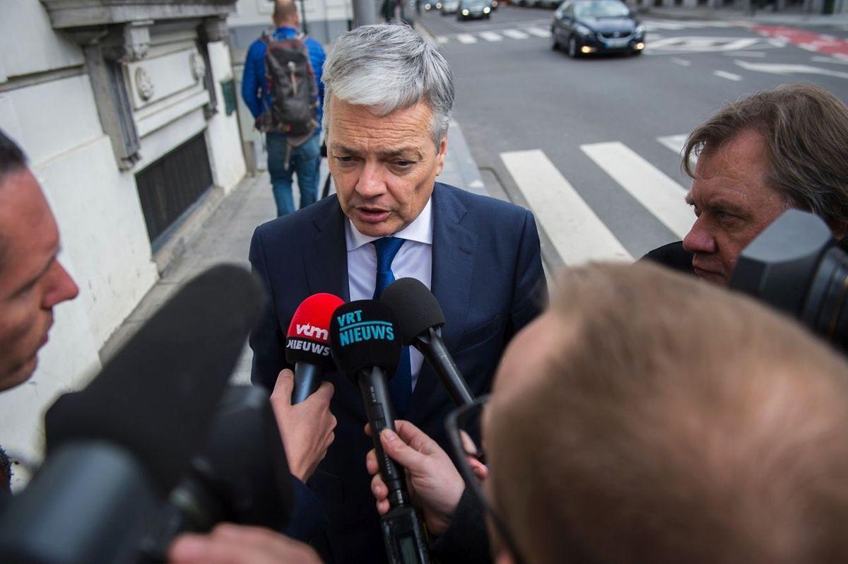 Didier Reynders, ministre belge des Affaires étrangères: «On recherche toujours, on le rappelle, un certain nombre d'auteurs, de co-auteurs ou de complices des attentats de Paris qui sont dans la nature».