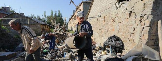 Desde o início do conflito h cerca de 18 meses, há centenas de famílias que ficaram sem casa no sudeste da Ucrânia