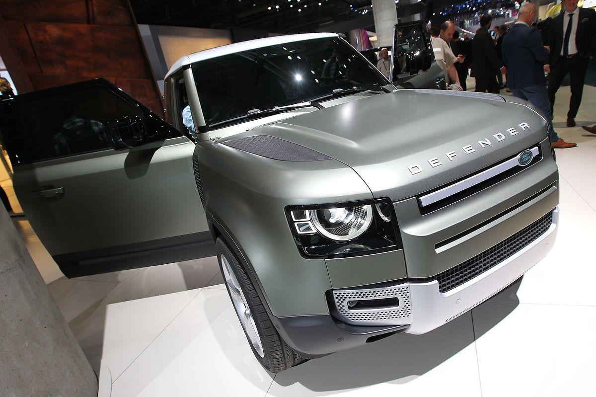 Der Land Rover Defender ist eines der Highlights in Frankfurt.