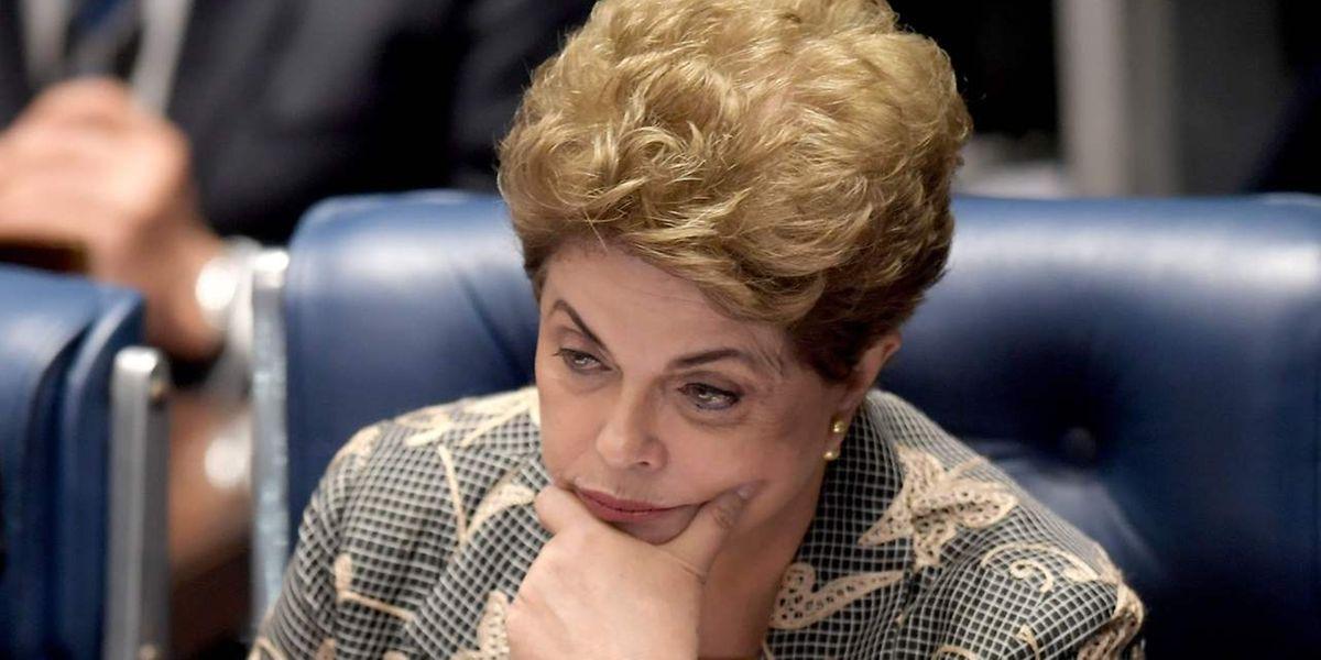 Rousseff D'etat BrésilDilma Un Dénonce Coup vwyON8Pn0m