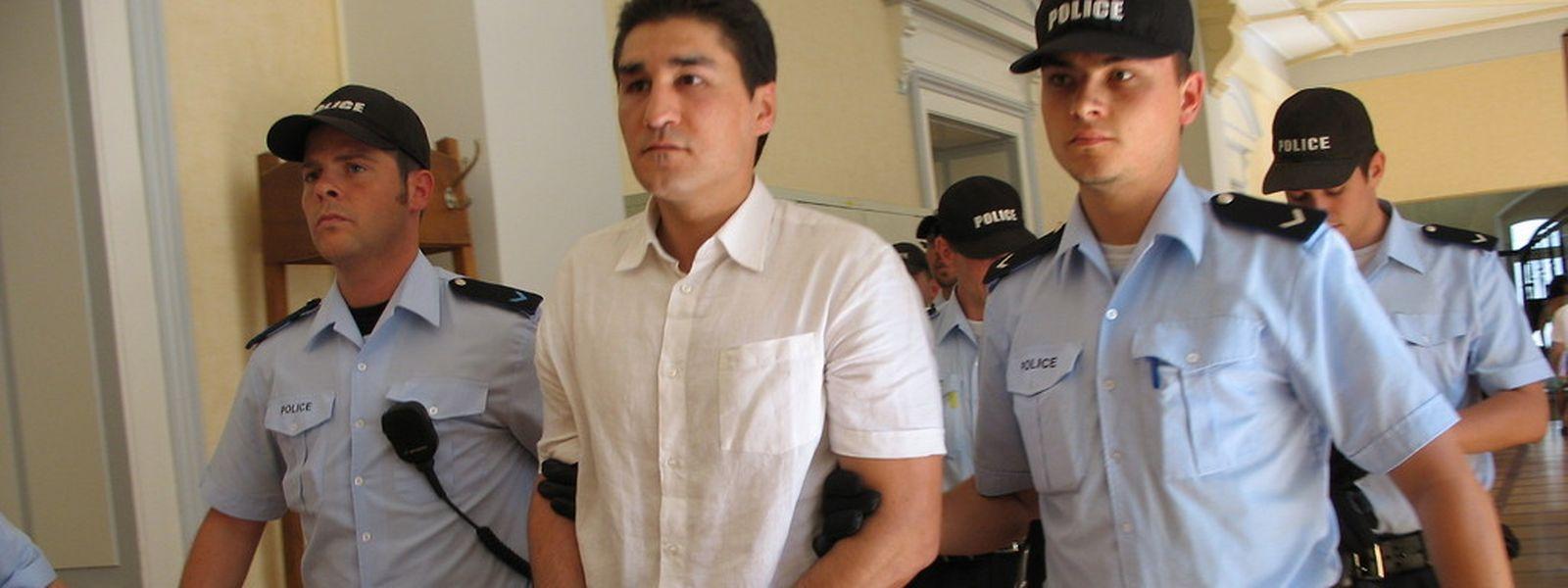 Der Angeklagte Gilles Lousada 2007 beim Prozess um zwei Überfälle auf Geldtransporter in Lamadelaine, wegen denen er bis heute in Haft sitzt.