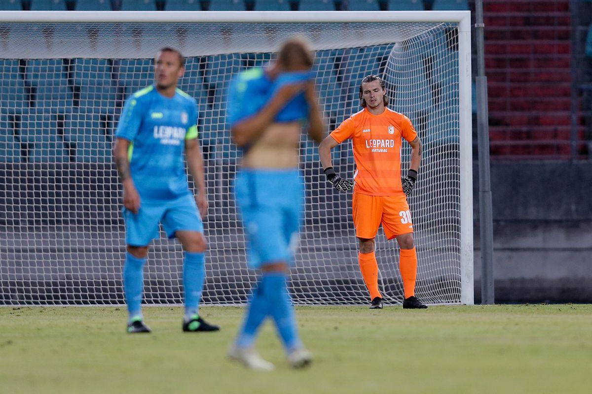 La détresse se lit sur le visage de Tim Kips malheureux sur le premier but maltais.