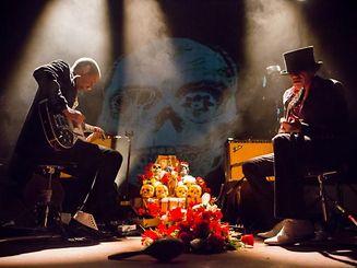 """Nem só de música vivem os Dead Combo, """"10 Anos de Vadiagem"""" é o nome da fotobiografia de Tó Trips e Pedro Gonçalves"""