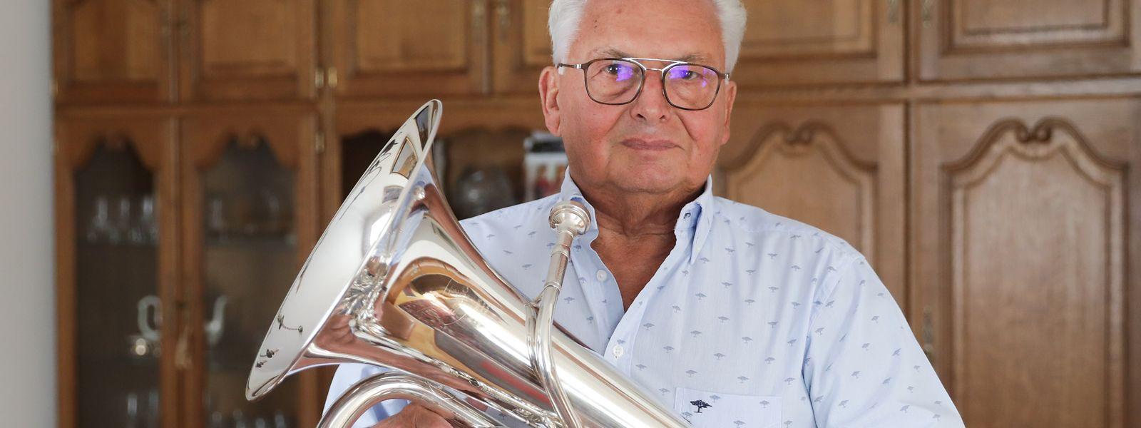 Seit 1946 spielt René Haas ein Musikinstrument, zuerst Trompete und jetzt Euphonium.