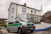 """In diesem Haus in Nordbayern eröffnete der """"Reichsbürger"""" das Feuer auf die Polizisten."""