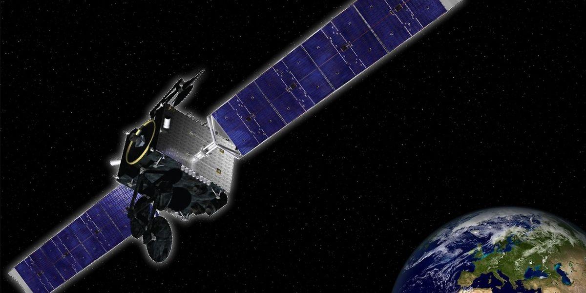 SES-16/GovSat wurde von LuxGovSat, einem neuen Joint Venture von SES und der Luxemburger Regierung, in Auftrag gegeben. Der Mehrzwecksatellit liefert leistungsstarke und voll steuerbare Spotbeams im militärischen Frequenzbereich.