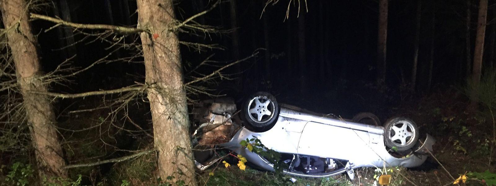 Einer der Autopassagiere erlitt schwere Verletzungen.