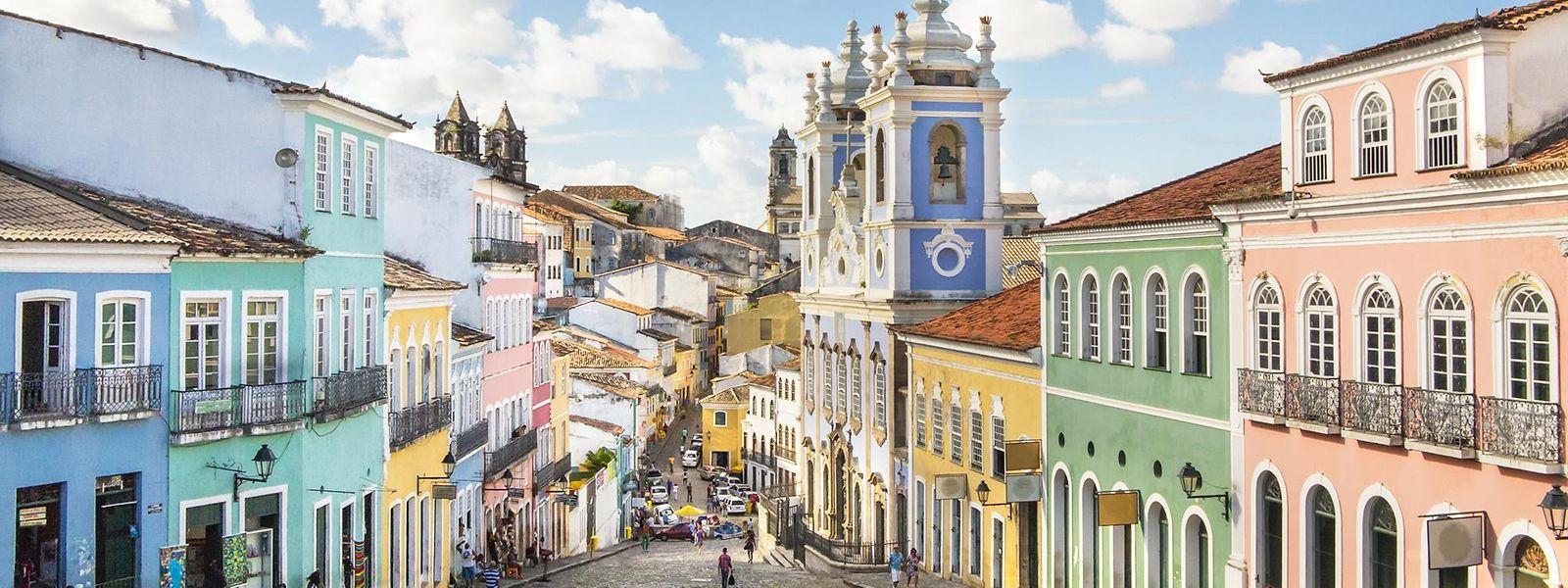 Imagem panorâmica de São Salvador, capital do Estado da Baía (Bahia).