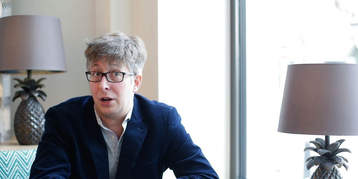 O historiador luxemburguês Thierry Hinger assina uma tese sobre as políticas de emigração e as associações portuguesas no Luxemburgo.