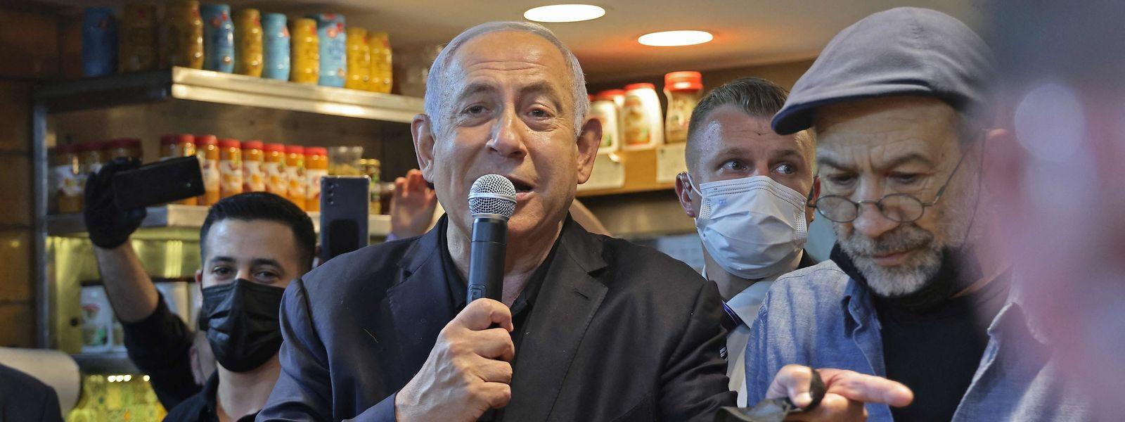 Israels Premierminister Benjamin Netanjahu (Mitte) will Regierungschef bleiben.