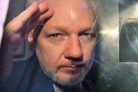 WikiLeaks Gründer Julian Assange wurde zu 50 Wochen Gefängnis verurteilt.