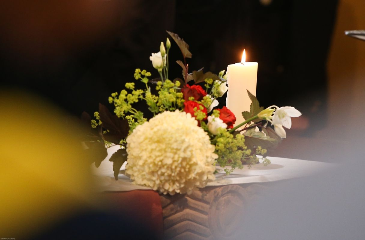 La journée de commémoration a débuté par une messe en mémoire des victimes de l'explosion.