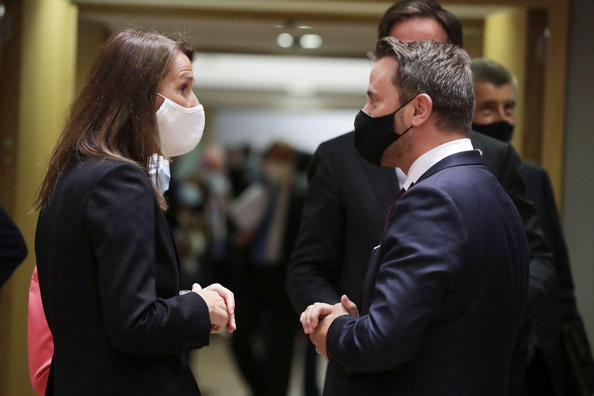 Sitôt la conférence de presse de ce dimanche achevée, Xavier Bettel a rejoint Bruxelles pour tenter de finaliser l'accord sur le plan de relance économique post-coronavirus. Durant son absence, c'est à la Première ministre belge que le Luxembourgeois avait confié son vote.