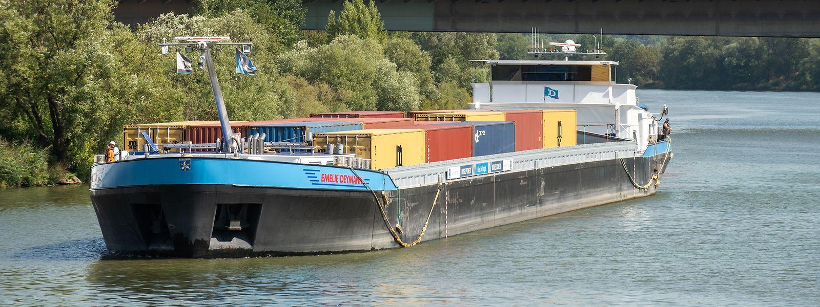 Der Containerumschlag im Trierer Industriehafen hat in den letzten drei Jahren deutlich zugenommen.