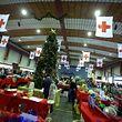 O Bazar da Croix Rouge está aberto hoje das 10h às 18h no Hall Victor Hugo.