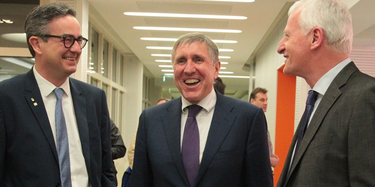 Ernest Pirsch (Fégarlux), Minister François Bausch und Ed. Goedert (Adal) im Gespräch.