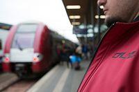 Sicherheitsbeamte der CFL übernehmen derzeit einen Großteil der Wach- und Schutzaufgaben im Bahnverkehr. Bei Straftaten sind ihre Handlungsmöglichkeiten jedoch sehr begrenzt.