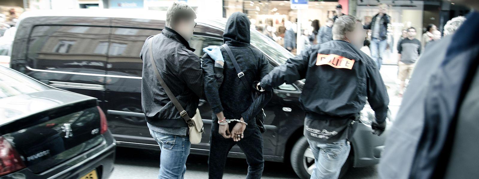"""Bei neun """"Opérations coup de poing"""" wurden 29 mutmaßliche Drogendealer festgenommen."""