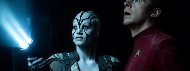 """Simon Pegg (r.) spielt nicht nur den Enterprise-Chefingenieur """"Scotty"""", sondern ist auch Drehbuchautor des Streifens."""