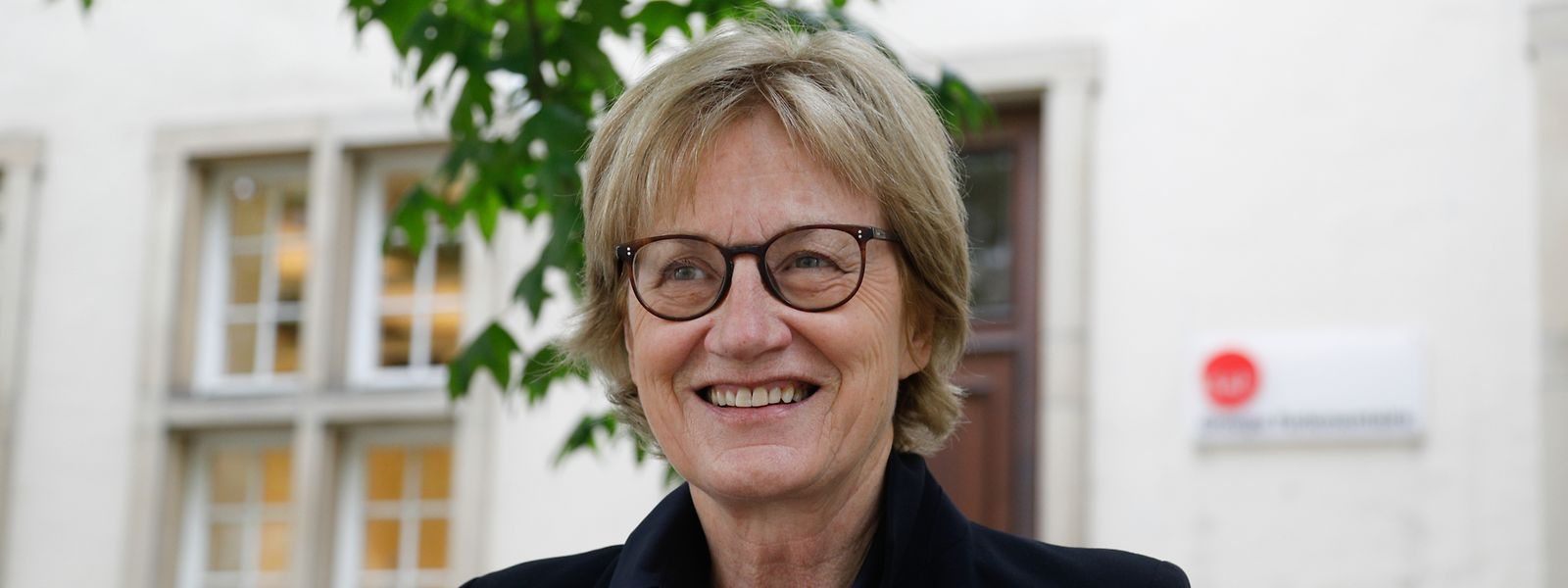 Mady Delvaux (LSAP) saß im Gemeinderat der Stadt Luxemburg, war Staatssekretärin, dann  Ministerin für soziale Sicherheit und sie leitete zehn Jahre lang das Bildungsressort. Die letzten fünf Jahre vertrat sie Luxemburg im Europaparlament.