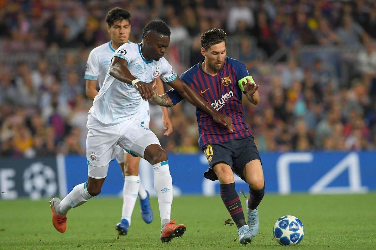 Lionel Messi s'est offert un triplé face au PSV de Nicolas Isimat-Mirin. La Pulga est lancée.