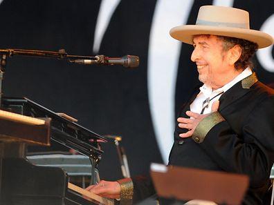 Bob Dylan é o primeiro músico a ser galardoado com o Prémio Nobel