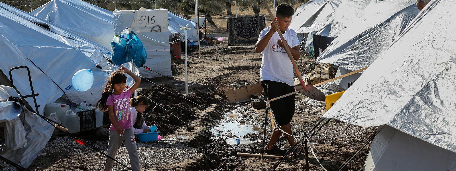 """Die Zustände seien """"schlimmer als in Moria"""", so die Hilfsorganisation Oxfam."""