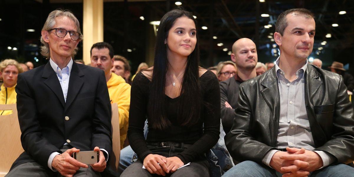 Junioren-Weltmeisterin Kimberly Nelting neben ihrem Vater Uli (l.) und ihrem Clubtrainer Leo Salvatore.