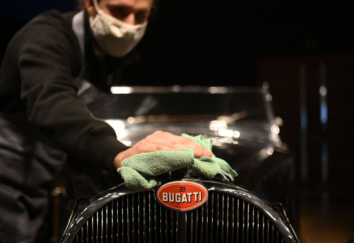 "The Bugatti Type 57S bears the nickname ""Dulcie"" because of his license plate ""DUL 351""."