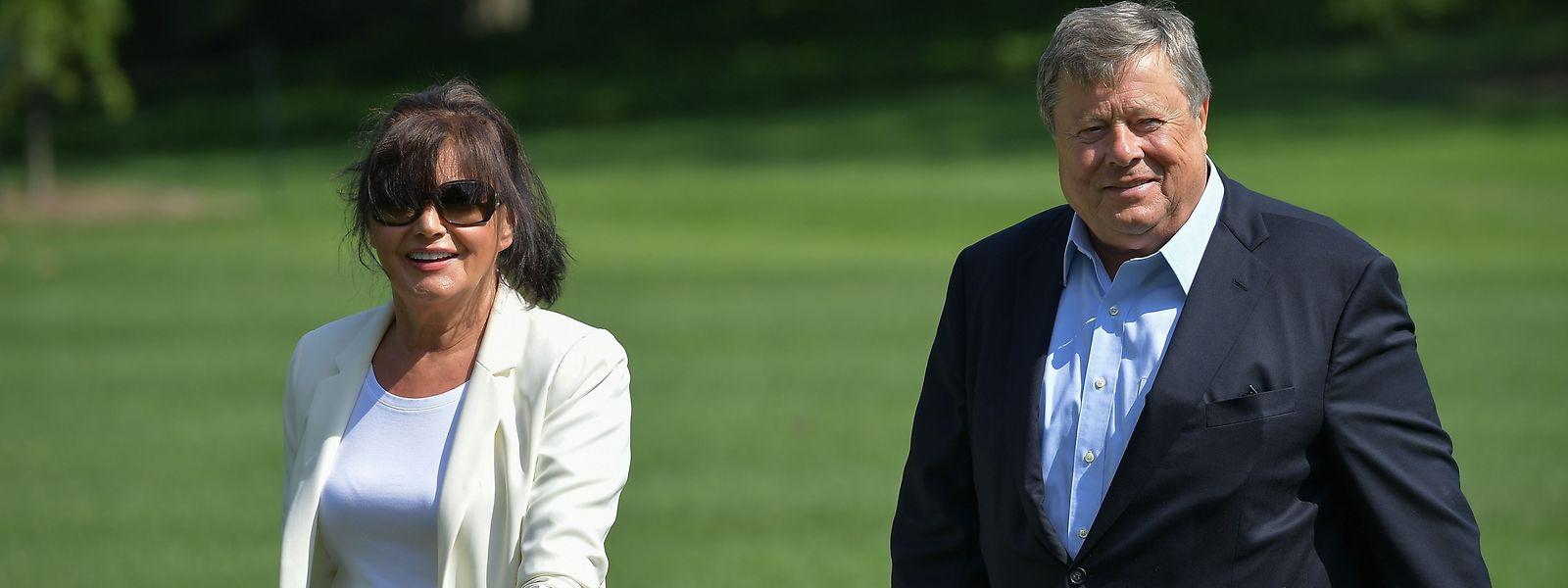 """Amalija und Viktor Knavs sind jetzt US-Bürger. Wie ihre Tochter Melania, die die amerikanische Staatsbürgerschaft 2006 über das sogenannte """"Einstein-Visum"""" erhielt."""