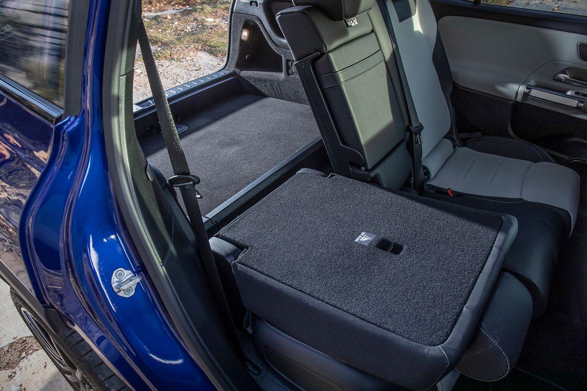 Platz für mehr als fünf Passagiere: Mit nur wenigen Handgriffen lässt sich die dritte Sitzreihe hochklappen.