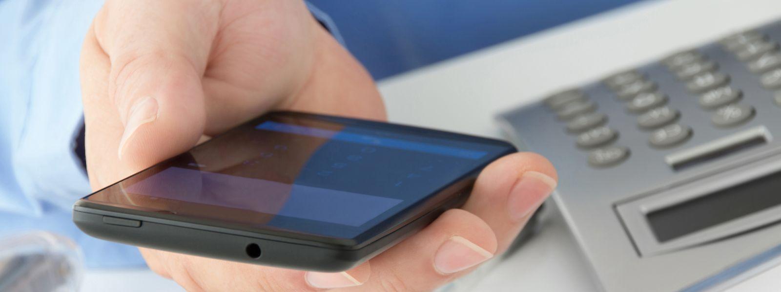Wer viel Datenkapazität bucht, bezahlt weniger: Die Abo-Tarife fürs mobile Surfen sinken.