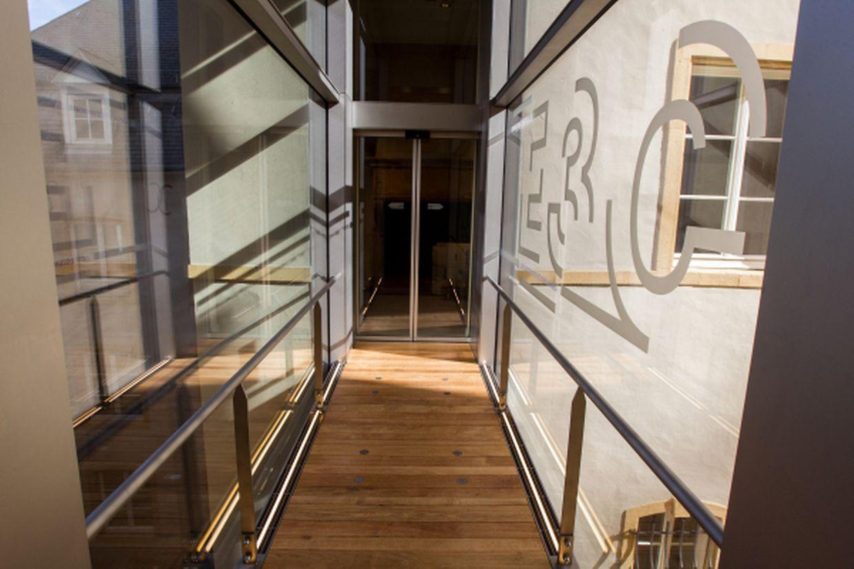 Erste Einblicke in die neuen Räume: Herrliche Ausstellungsstücke und neue historische Perspektiven.