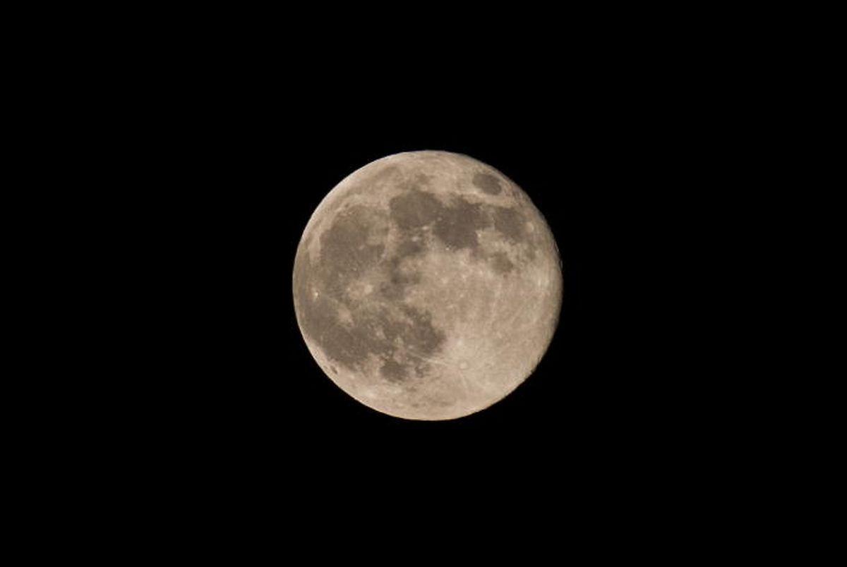 Der Mond verspricht schnellere Erfolge als der Planet Mars.