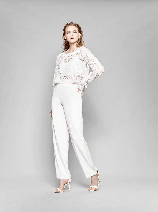 Hose statt Rock: Wer ein etwas anderes Hochzeitsoutfit sucht, wird in immer mehr Kollektionen fündig - auch bei Marylise.