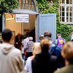 Berlim prolonga horário de votação devido às longas filas e falta de boletins