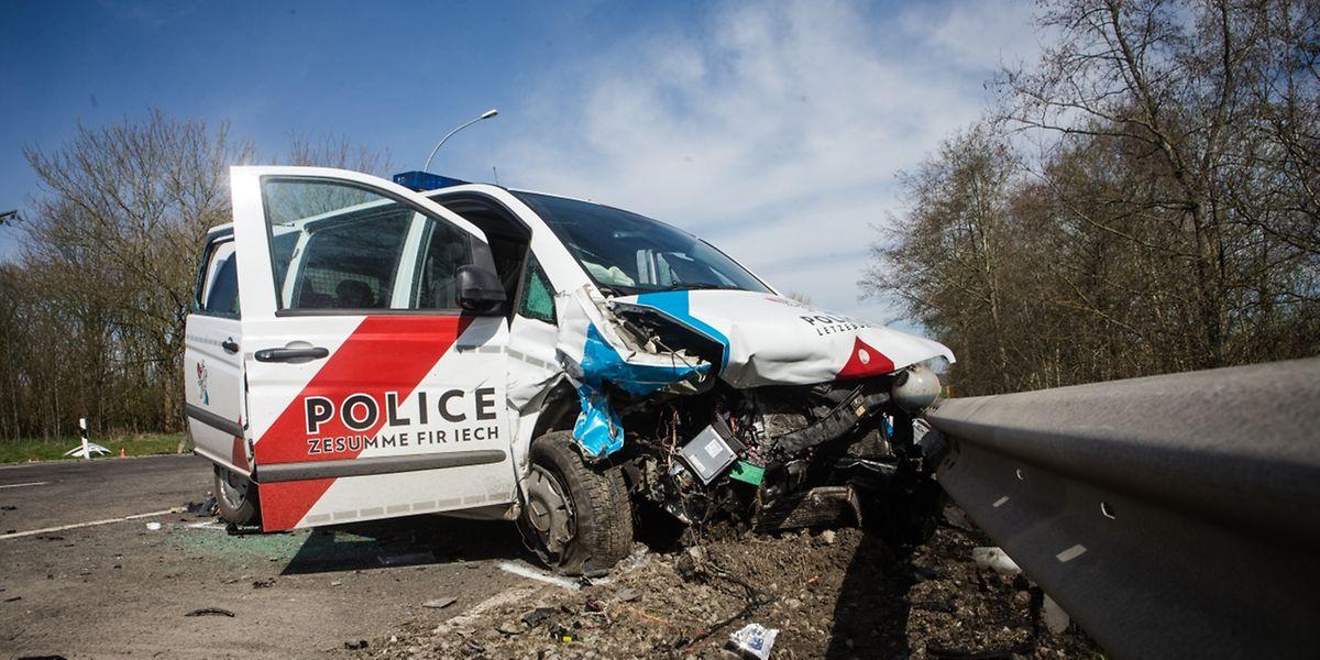 Bei der Kollision ist ein Polizist gestorben.