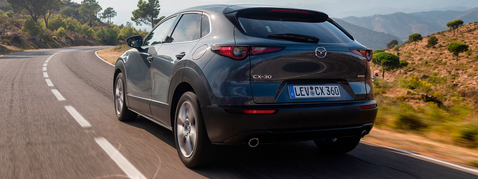 """""""Minimalistische Eleganz"""": Mazda verzichtet beim knapp 4,40 Meter langen CX-30 auf überflüssige Designspielereien."""