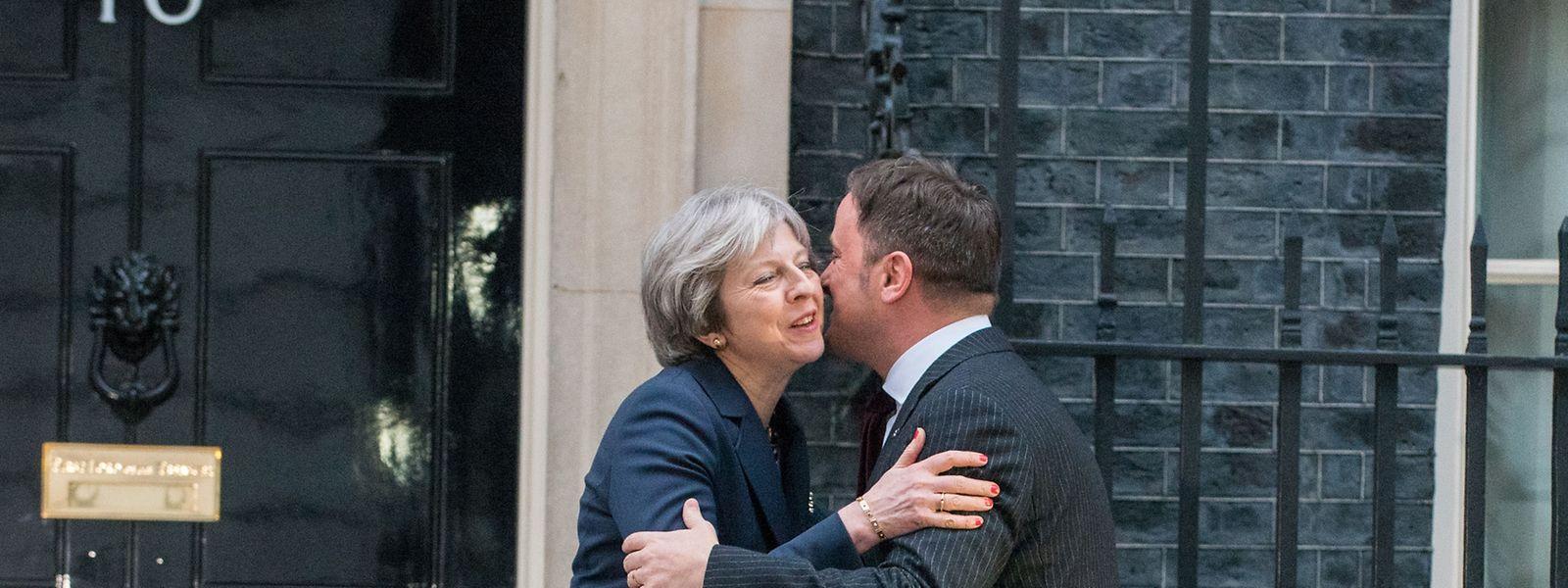 Theresa May und Xavier Bettel haben bei einem bevorstehenden Freihandelsabkommen in Bezug auf Finanzdienstleistungen ähnliche Interessen.