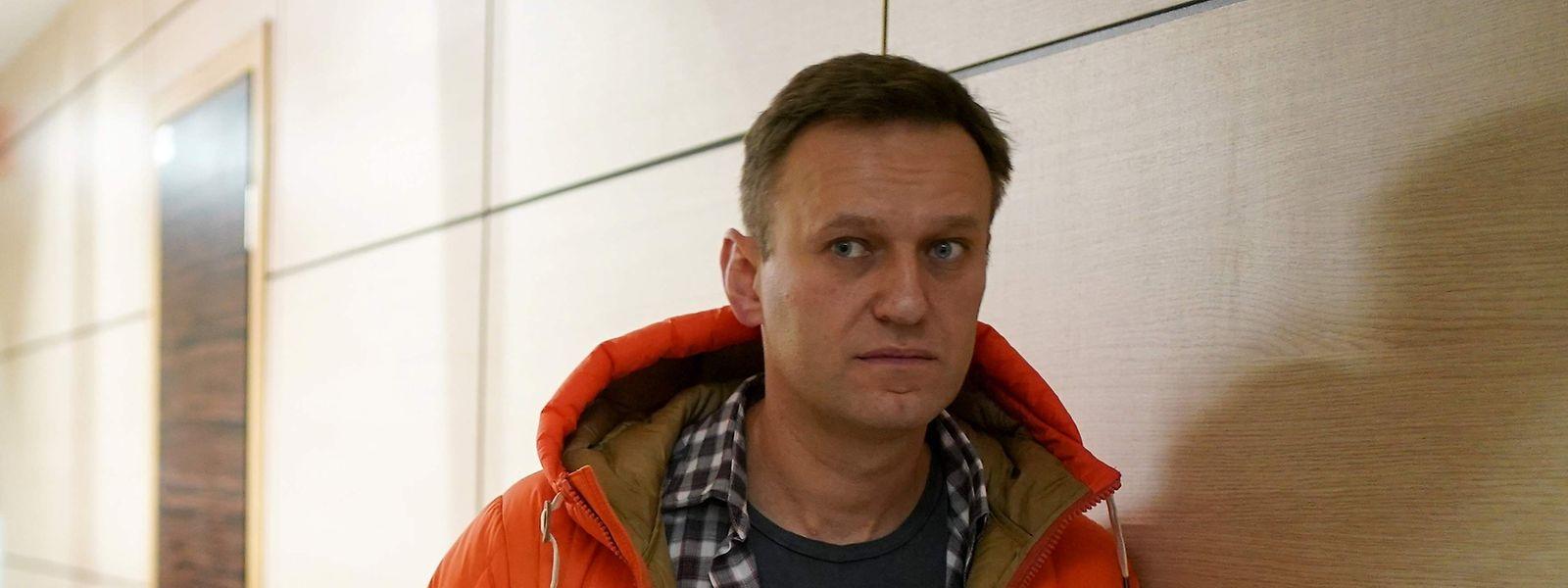 Der Oppositionelle Alexei Nawalny könnte von seiner angeblichen Geliebten vergiftet worden sein. Das spekulieren kremlnahe, russische Medien.