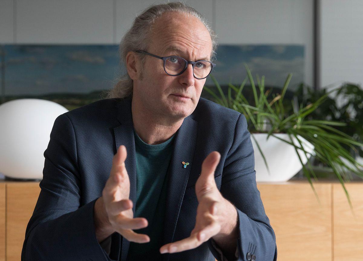 Claude Turmes veut développer plus encore la part du photovoltaïque dans la production d'énergie luxembourgeoise. Cela peut aussi passer par les «fermes solaires aquatiques».