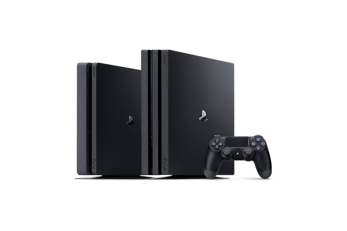 Die beiden neuen Varianten der Playstation 4 im Vergleich (l-r): Slim und Pro, dazu der neue, leicht veränderte Controller.