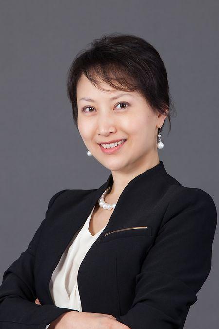"Jing Zhang Brogle wird ""Market Head, Asia International""."
