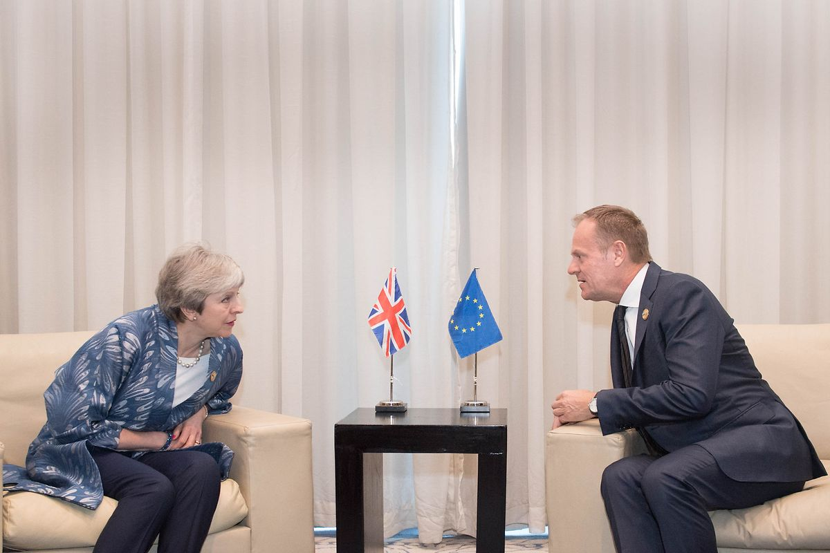 Theresa May e Donald Tusk.