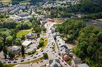 Mit einem Aufzug gegenüber von der Place Jomé, der Hesperingen mit dem Holleschbierg verbindet, will die Gemeinde die sanfte Mobilität fördern und den Autoverkehr reduzieren.