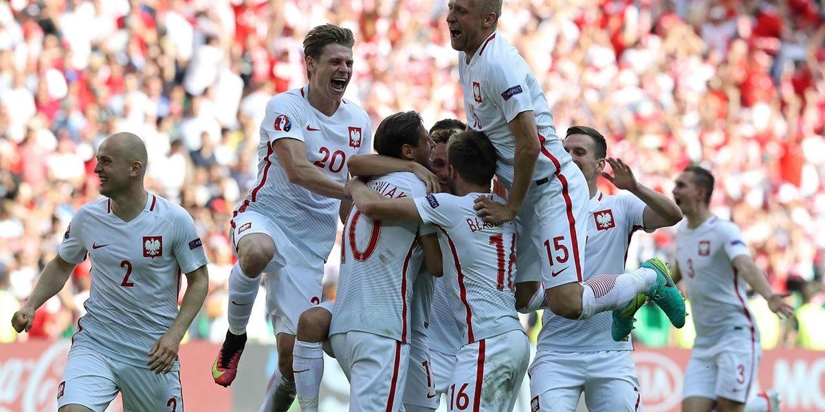In Feierlaune: Die Polen erreichen das Viertelfinale der EM in Frankreich.