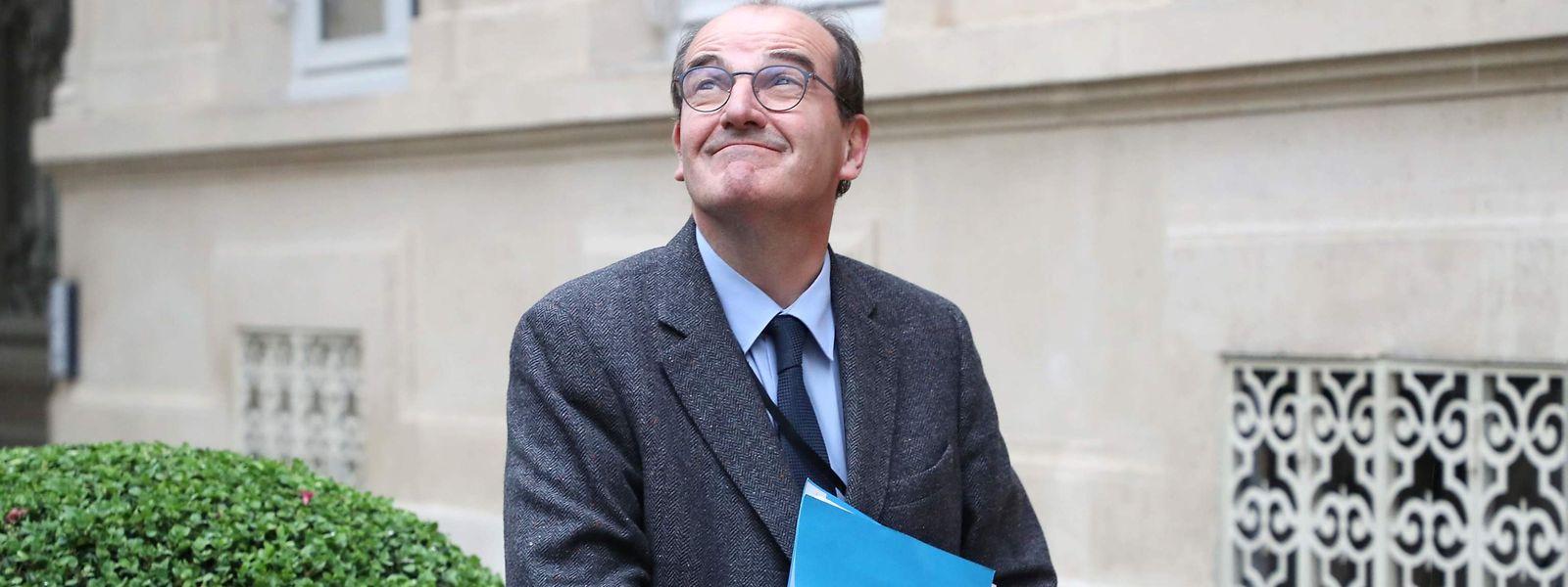 Jean Castex sur les marches de Matignon.