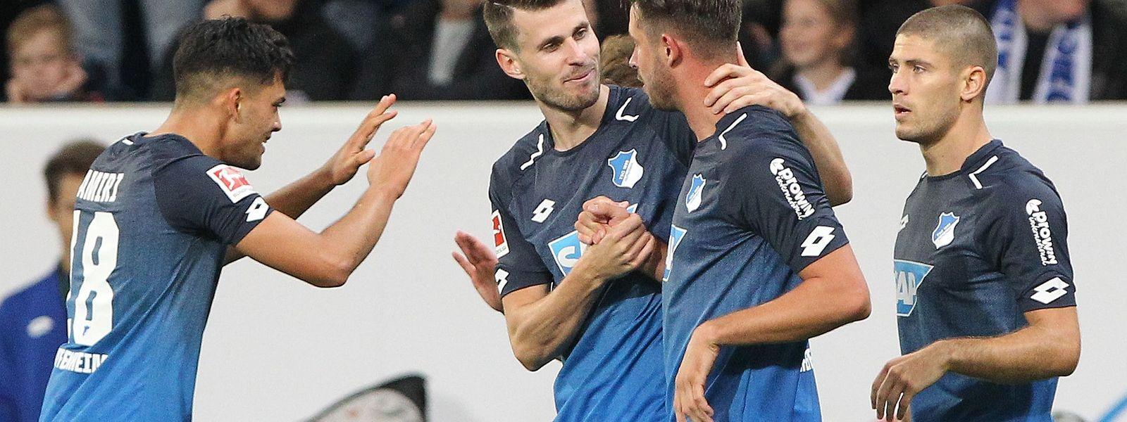 Die Hoffenheimer bejubelten ihren 2:0-Sieg gegen den FC Bayern.